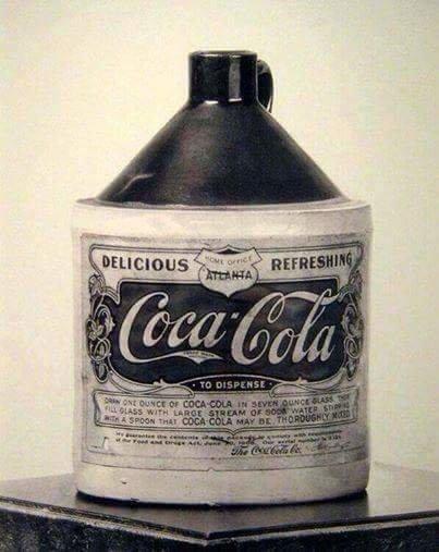 اول زجاجة كوكا كولا عام 1906