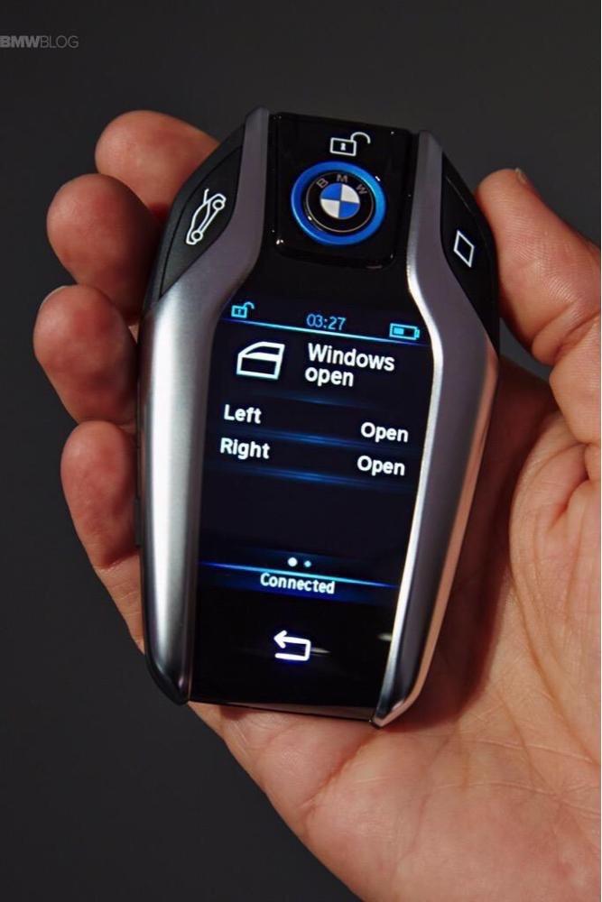 مفتاح سيارة BMWI8 الذكي