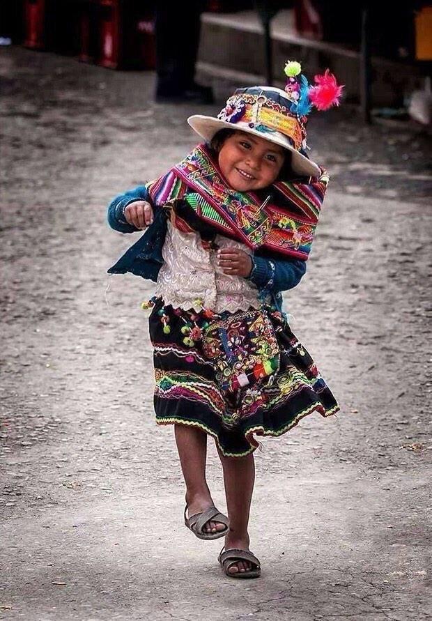 تعريف السعادة في ابتسامة فقير