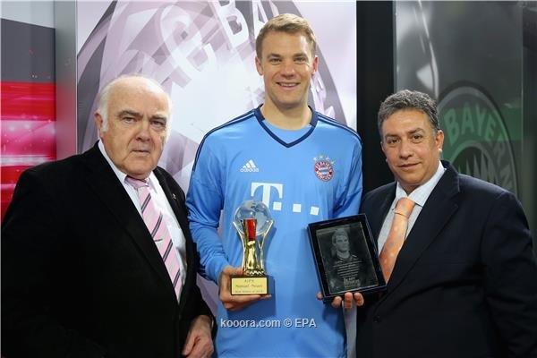 نوير يتوج بجائزة أفضل رياضي أوروبي وعالمي لعام 2014 #كوره