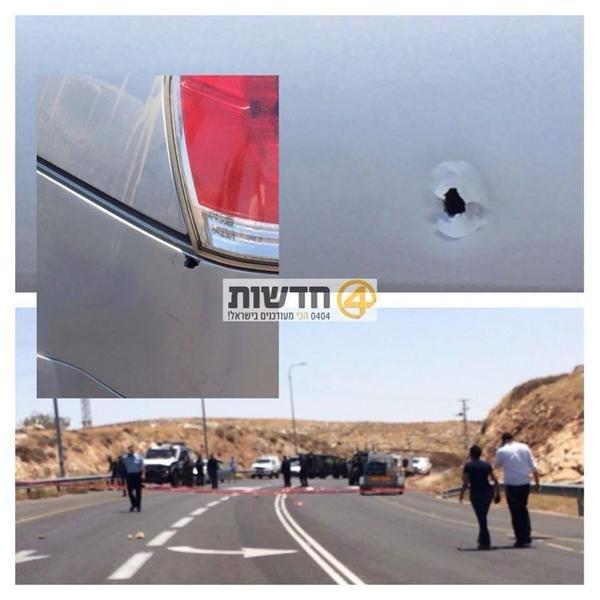 إطلاق نار على سيارة صهيونية قرب رام الله #حرقوا_الرضيع #جمعة_الغضب