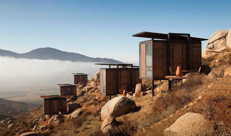 فندق إنديميكو #المكسيك بيوت خشبية صغيرة على جبل صحراوي ساحر