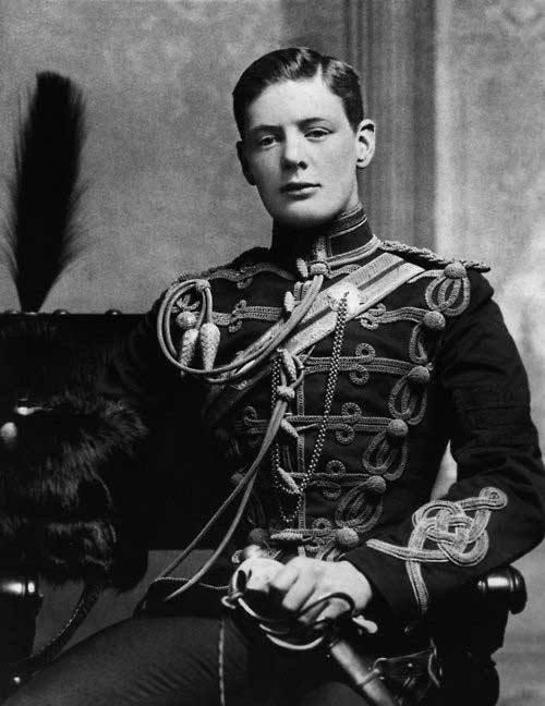 أندر وأقدم صورة لرئيس وزراء #بريطانيا ونستون تشرشل في شبابه عام 1895