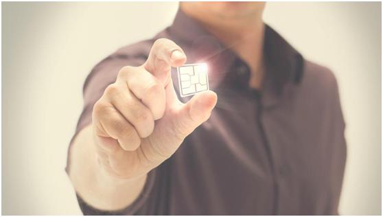 تستعد كل من شركتي سامسونغ وآبل للاستغناء عن شريحة الاتصال الخاصة بالهواتف المحمولة، المعروفة باسم SIM Card
