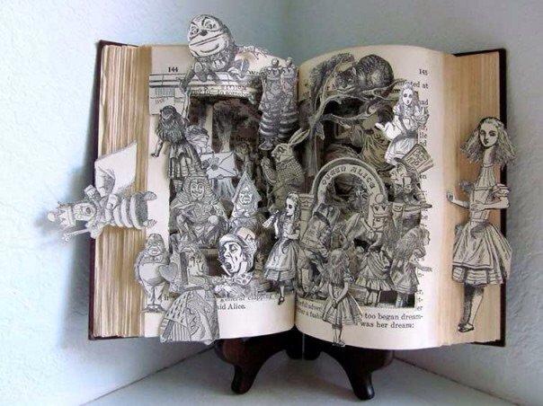 منحوتات مبدعة باستخدام كتب - صورة ٩