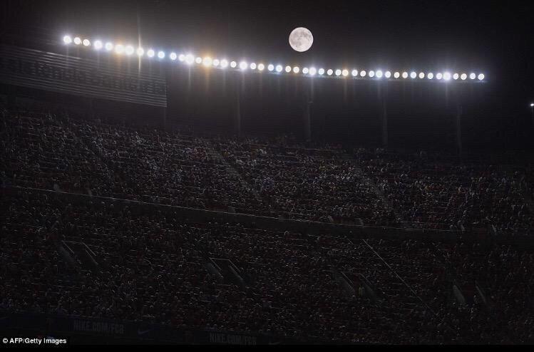 صور ظهور القمر العملاق حول العالم - ٣
