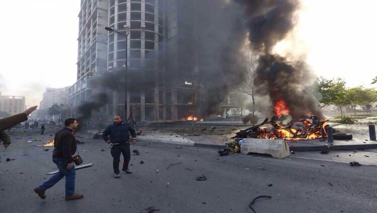 أصابة شرطيين ومجند بتفجير قنبلة مقابل محكمة #القاهرة في #مصر