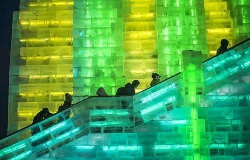 مهرجان في #الصين يجعلك تعيش المغامرة داخل متاحف وقصور عملاقة من الثلج صوره رقم 1