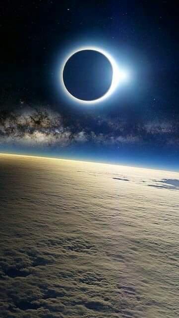 الكسوف عند تصويره من الفضاء #ناسا