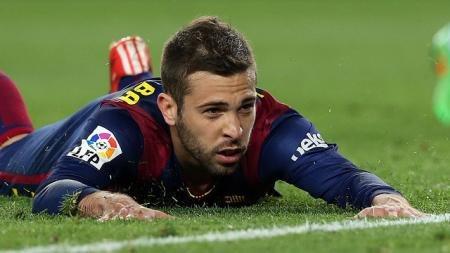 #جوردي_ألبا يغيب عن #برشلونة 15 يوماً للإصابة