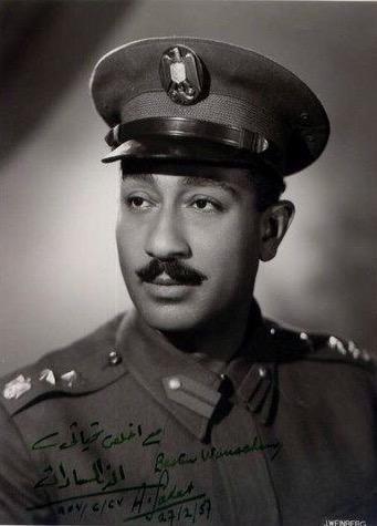 صورة #قديمة للرئيس المصري الراحل أنور السادات بالزي العسكري #مصر