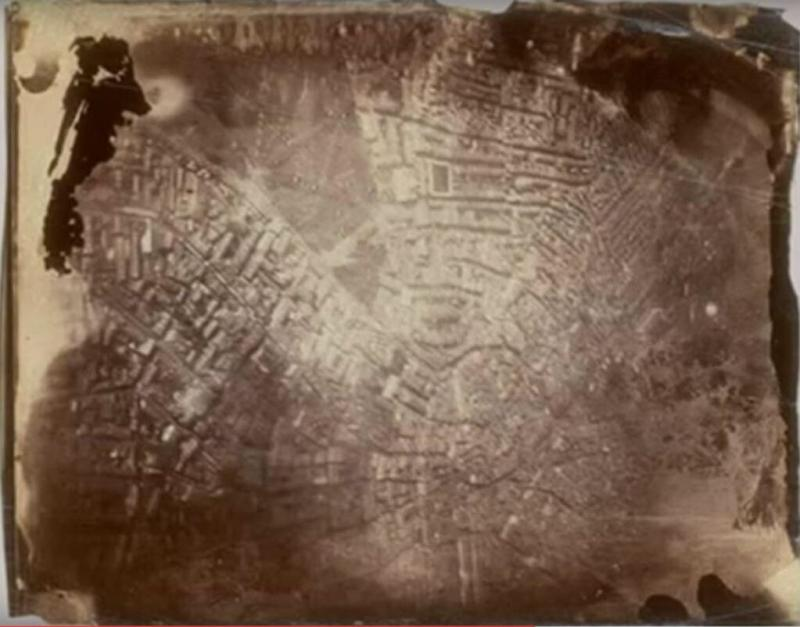 أول صورة جوية التُقطت لسطح الأرض كانت العام 1858