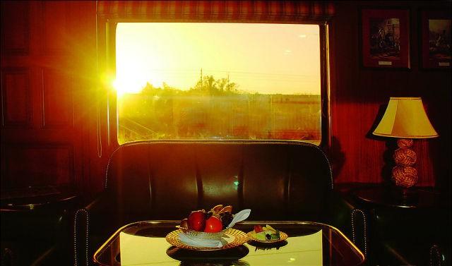 قطار المهراجا الفاخر في #الهند #غرد_بصورة-صورة 15