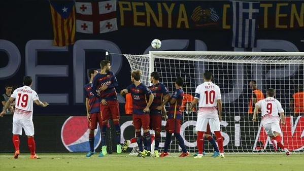 للمرة الأولى في تاريخ السوبر الأوروبي .. 9 أهداف في مباراة واحدة #برشلونة #برشلونه_اشبيليه