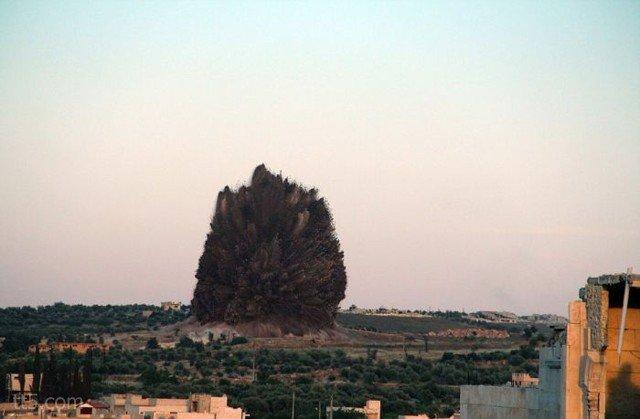 كاميرا تصور لحظة إنفجار أكثر من 60 طن من المتفجرات #غرد_بصورة-صورة 2