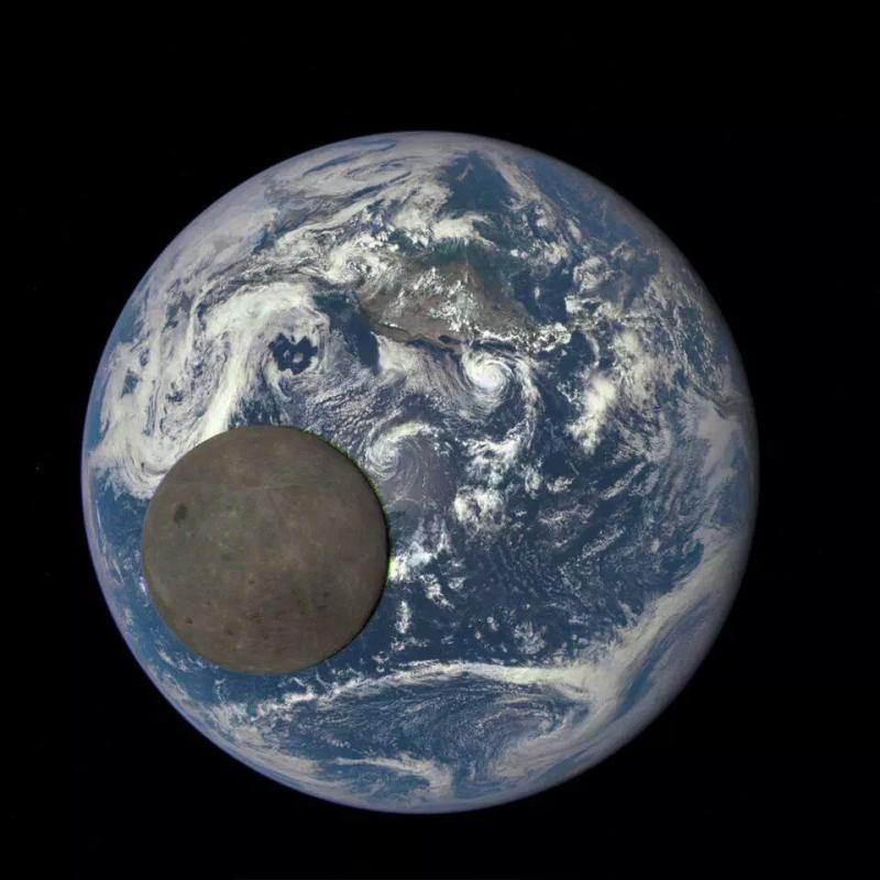 صورة رائعة للقمر