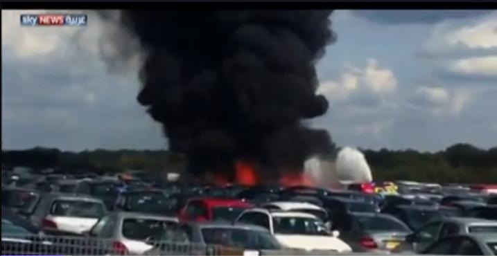 #صوره اثناء سقوط طائرة سعودية خاصة جنوبي لندن
