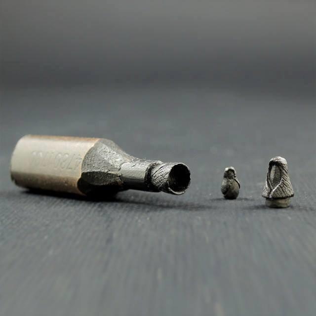 عندما تتحول أقلام الرصاص إلى تماثيل #ابداع #غرد_بصوره صوره رقم3