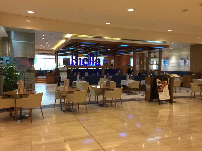 مطعم بييلا #أبوظبي مول الطابق الأول