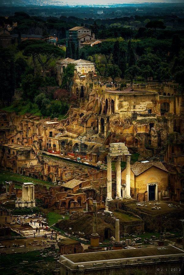 المدينة العريقة #روما #ايطاليا صوره رقم 4
