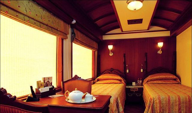 قطار المهراجا الفاخر في #الهند #غرد_بصورة-صورة 11