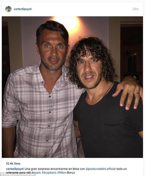 صورة نشرها النجم الإسباني السابق كارلوس بويول مع الأسطورة الإيطالية مالديني في جزيرة إيبيزا الإسبانية #كورة
