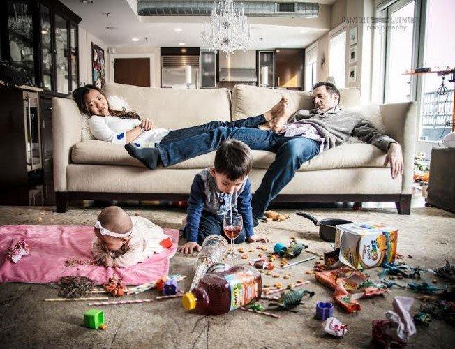 إضحك مع أطرف صور لـ معاناة العائلة الحديثة هذه الأيام مع أولادهم #غرد_بصوره رقم 1