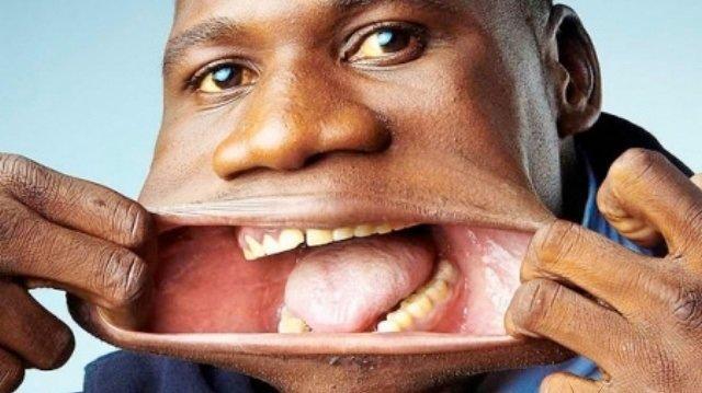 صاحب أكبر فم في العالم يسجل نفسه في موسوعة غينيس #غرد_بصورة -صورة 1