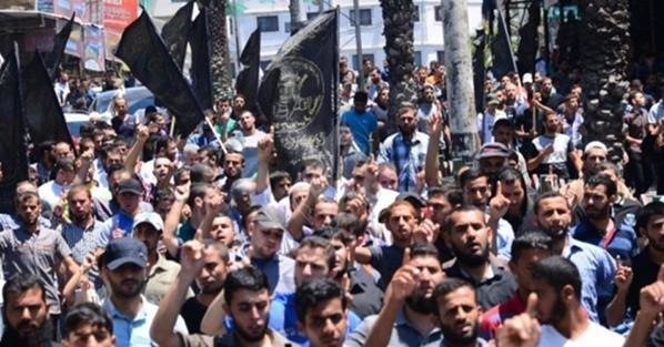 #غزة تنتفض بمسيرة حاشدة نصرة لـ #الأقصى وتنديدا بحرق الطفل #علي_دوابشة #حرقوا_الرضيع