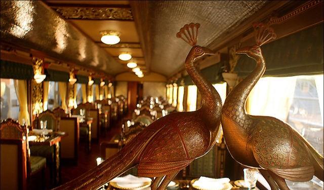 قطار المهراجا الفاخر في #الهند #غرد_بصورة-صورة 5