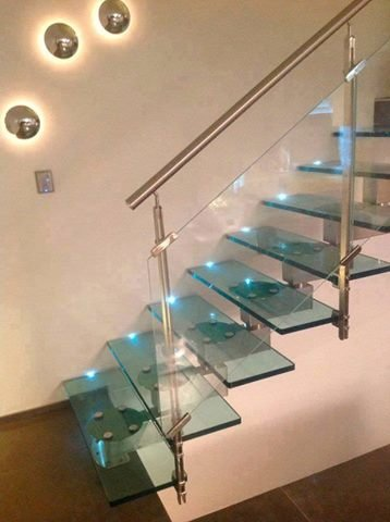 صور من اجمل السلالم الزجاجية #غرد_بصوره صوره 2