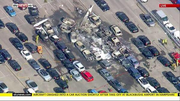 #تحطم_طائرة_خاصة_سعودية في #مطار_بلاكبوش البريطاني والمعلومات الأولية تشير إلى وجود 4 أشخاص على متنها #السعودية