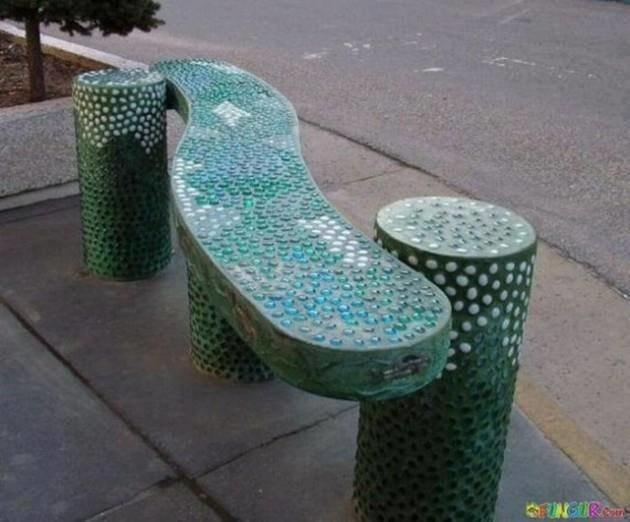 أغرب كنبات للانتظار يمكن أن تراها في الشوارع و الأماكن العامة #غرد_بصورة -صورة 1