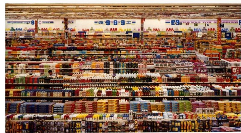 أغلى صورة في العالم هي 99 سنتاً للمصور أندرياس غورسكي (2001)، حيث بيعت في 2007 بـ 3.34 مليون دولار