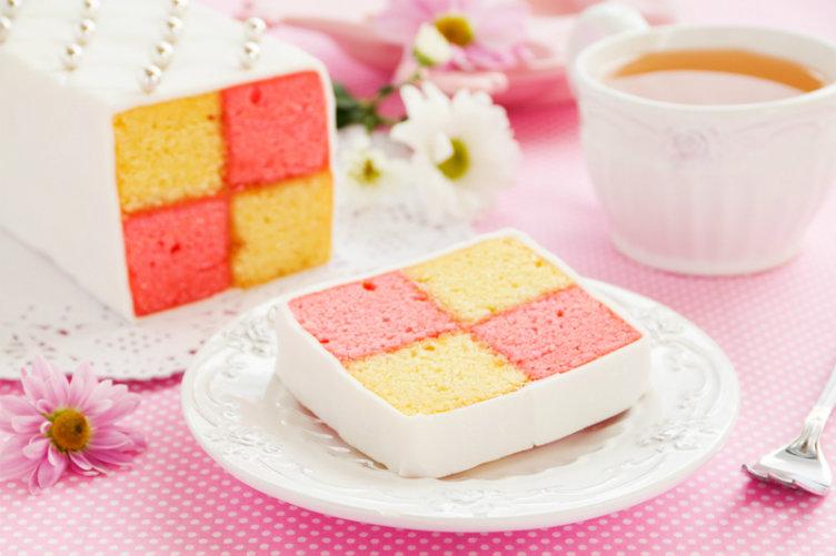 كعكة باتنبرغ من أشهر حلويات #بريطانيا