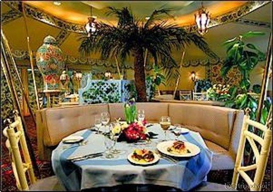مطعم ويندروز فندق الخزامى، شارع العلية #الرياض