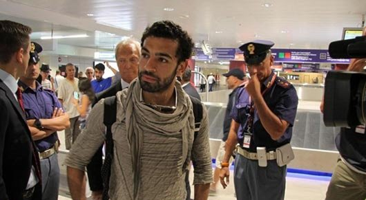 استقبال صلاح في المطار الإيطالي #روما #كوره رقم 3