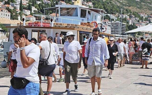 أمير #قطر السابق حمد بن خليفة ال ثاني يقضي إجازته الصيفية في ديبروفونيك #كرواتيا - صورة ١