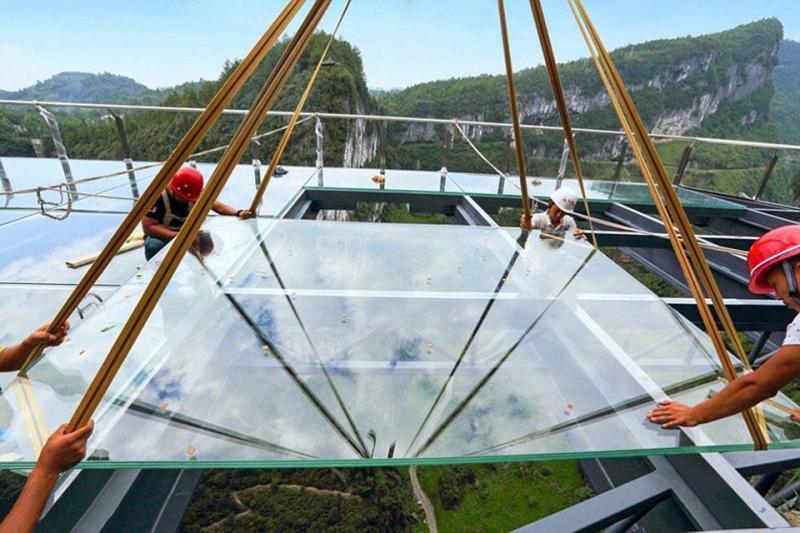 #بالصور أكبر ممر زجاجي في العالم #غرد_بصوره صوره 4