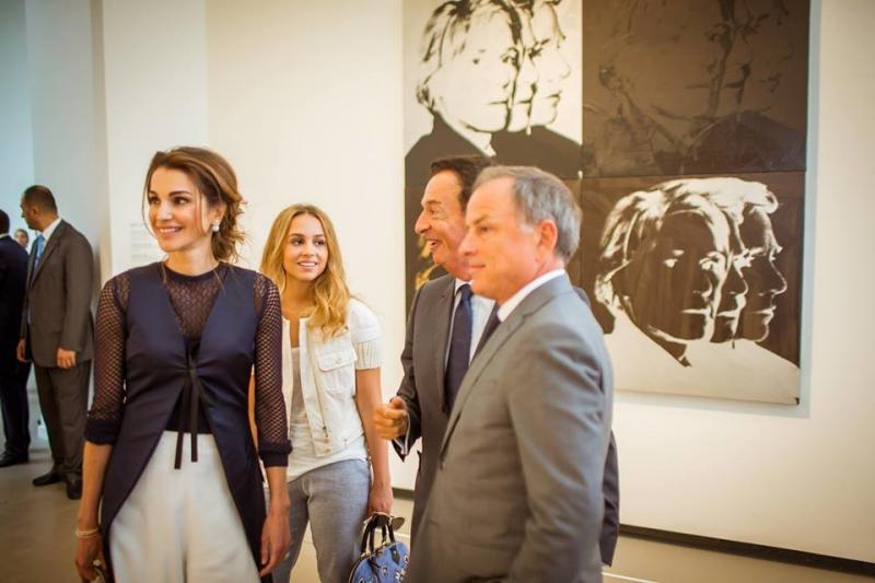 #الملكة_رانيا_العبد_الله و #الأميرة_إيمان خلال زيارة إلى أحد المتاحف الفنية في #باريس #باريس #فرنسا 26 آب 2015 صوره 2