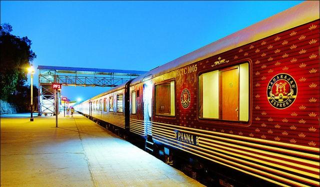 قطار المهراجا الفاخر في #الهند #غرد_بصورة-صورة 1