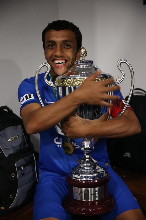 محمد الشلهوب اللاعب السعودي الوحيد الذي حقق جميع البطولات المحلية والقارية مع فريقه #الهلال #محمد_الشلهوب