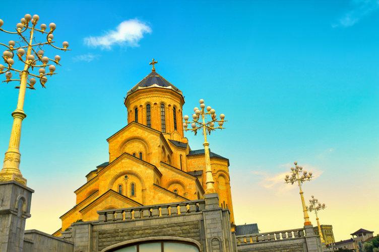 كاتدرائية الثالوث المقدس في عاصمة جورجيا تبلّيسي #جورجيا