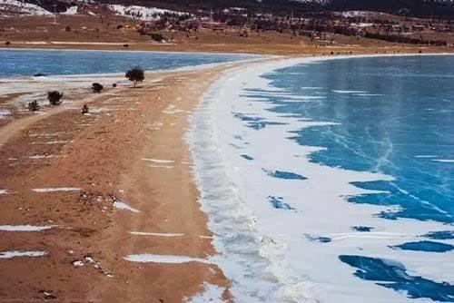 #البحيرة_الفيروزية_المتجمدة  فى #سيبيريا عمرها 25 مليون سنة وعمقها 1700 متر - صورة 4