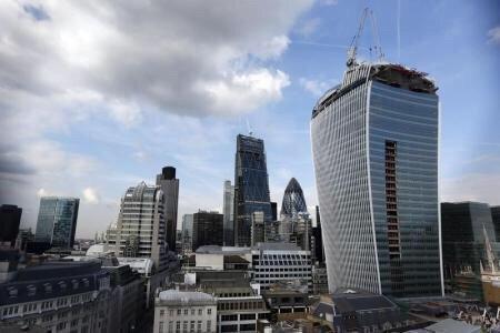 رويترز:ناطحة سحاب في لندن تصهر السيارات نتيجة الأشعة المنعكسة على سطحها تفوز بجائزة أسوأ تصميم معماري