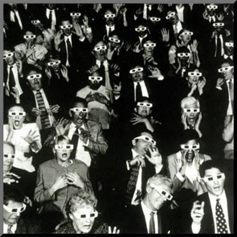 ردة فعل المشاهدين في صالة السينما أثناء مشاهدتهم أول فيلم رعب بتقنية ثلاثية الابعاد - نيويورك 1953