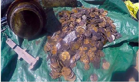 غواصون يكتشفون كنزا يحتوي نحو 900 قطعة نقدية ذهبية في #نيوزيلندا