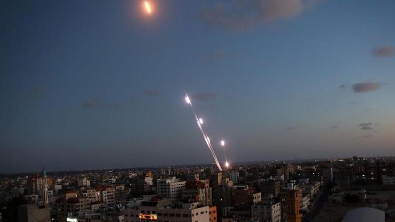 قصف مكثف للطائرات الإسرائيلية على #غزة #غزة_تحت_القصف - صورة ١