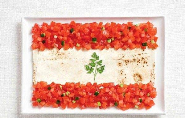 علم #لبنان بالخبز شامي وطماطم وخيار وبقدونس #غرد_بصورة