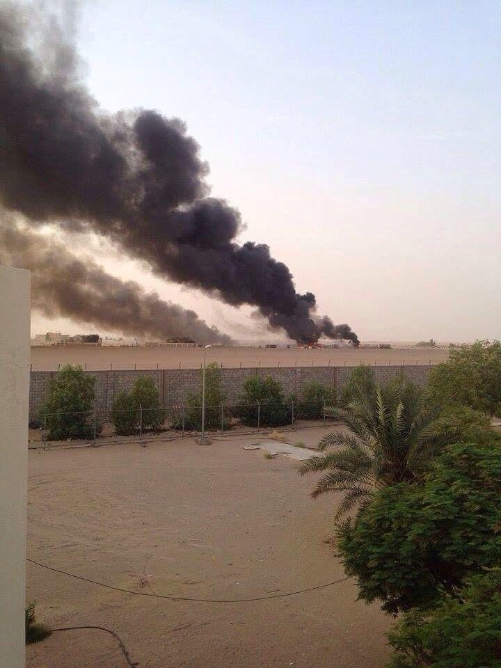 مستودع الأسلحة الذي تفجر واستشهد إثره ٢٢ عسكري إماراتي #استشهاد_جنود_الامارات_البواسل في صافر باليمن
